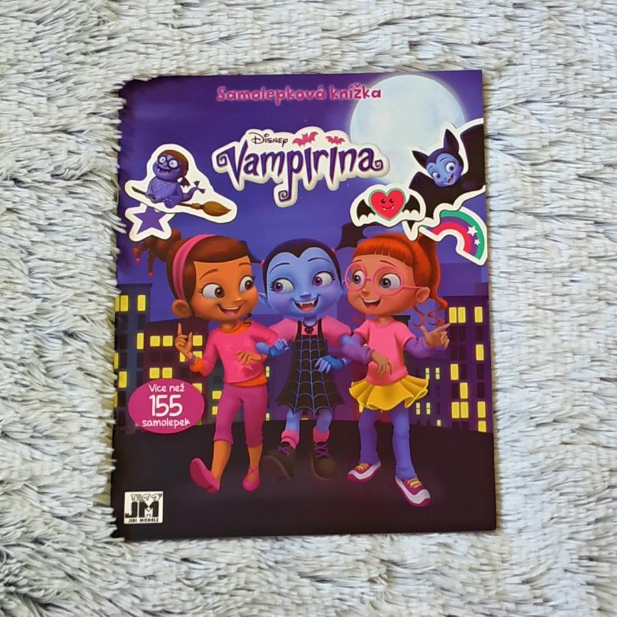 Samolepková knížka Vampirína